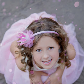 Find the magic in you by Louise Lacante - Babies & Children Child Portraits ( child, princess, magic )
