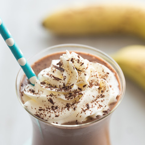 Healthy Chocolate Peanut Butter Smoothie (Chunky Monkey!)