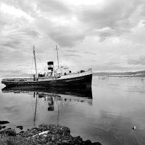Ship by Jime Fernandez - Black & White Landscapes ( argentina, ushuaia, ship, beagle, canal, channel, black&white )