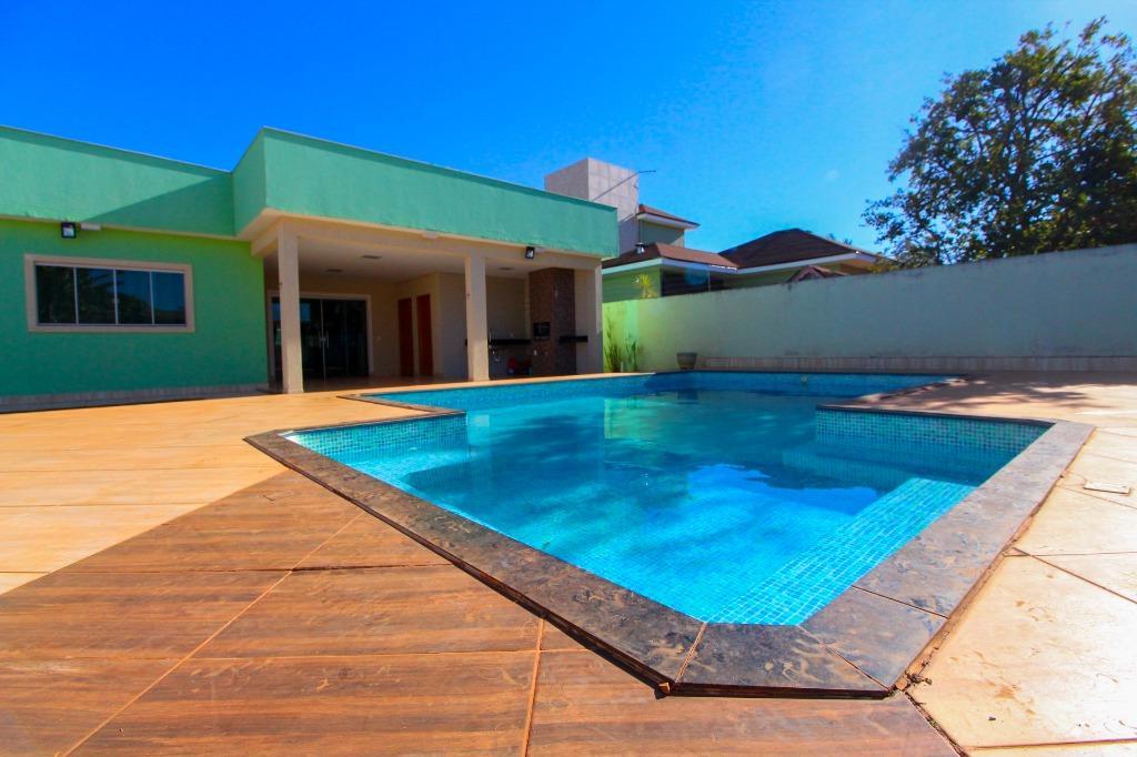 Casa em Condomínio com quartos para Alugar, 235 m²