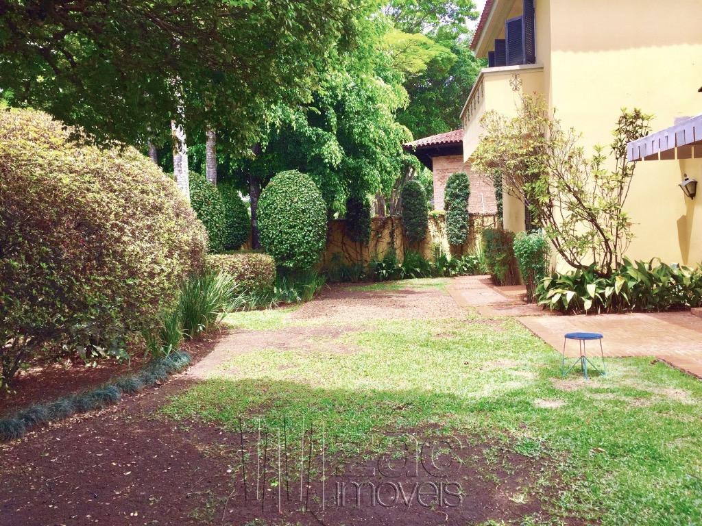 Amplos espaços com muito Jardim