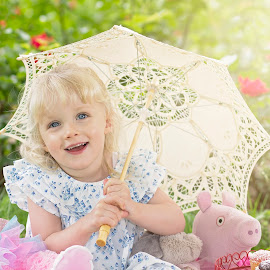 teddy bear picnin by Melissa Marie Gomersall - Babies & Children Child Portraits ( blue, sunny, parasol, blond, toddler, cute, eyes, picnic )