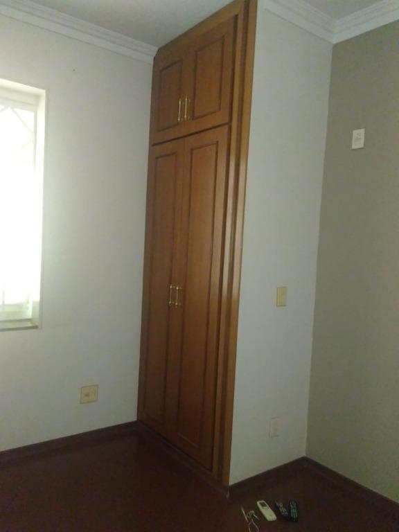 Casa para Aluguel 393 m²  com 4 quartos