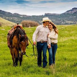 by Erin Schwartzkopf - People Couples ( erinkathleenphotography, engagementshoot, westernwedding, younglove, lovethem, western, westernliving, cowboyengagement )