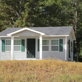 Itsy Bitsy Home by David Jarrard - Buildings & Architecture Homes ( conyers, house, cute homes, homes, small homes )