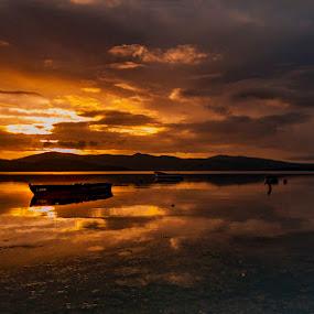 Akşam2 by Enver Karanfil - Landscapes Sunsets & Sunrises ( clouds, sunset, akşam, boats, sea )