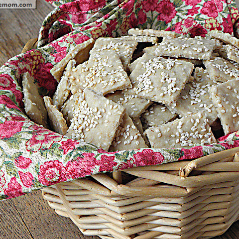 Homemade Oat Sesame Crackers {Gluten Free}