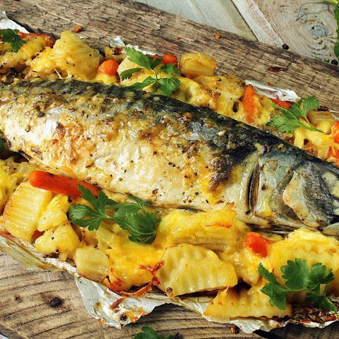 FITNESS NIGHT. Baked mackerel with vegetables