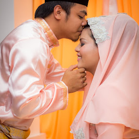 Malay Couple by RiNeo aFnIzAn - People Family