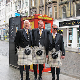 Men of the Kilt by Judy Smith - Novices Only Portraits & People ( scotland, kilt, edinburg, telephonebooth, street scene )