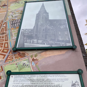 This plaque commemorates the church that was here, and was a landmark building for this part of Utrecht. This used to be the independent community (municipality) of