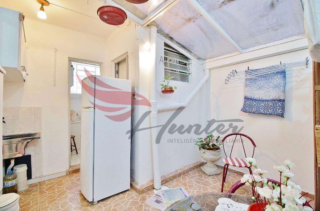 Na Laurindo! Apartamento de 2 dormitórios com 85m², térreo e em excelente estado de conservação, no bairro Santana em Porto Alegre  Apartamento de 85m² pri. (Clique para ver)