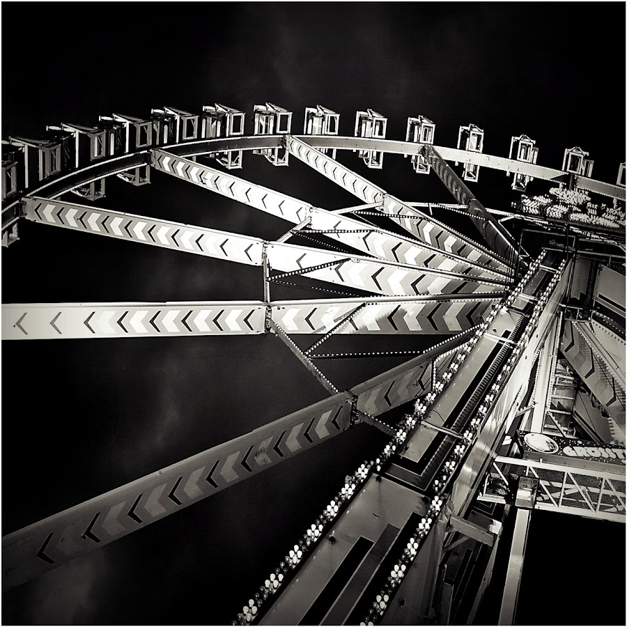_The Big Giant_ by Rena Sap - City,  Street & Park  Amusement Parks ( monochrom, black and white, black and white collection, stuttgart, wasen, riesenrad )