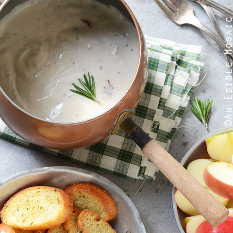 10-Minute Sundried Tomato and Rosemary Fondue {Lactose-Free; Gluten-Free}