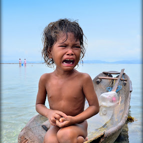 huhuuuu.... by Azmi Han - Babies & Children Children Candids
