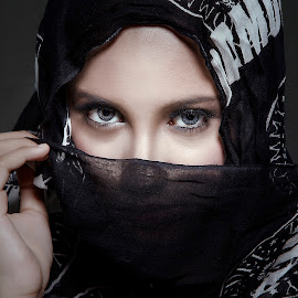 .:: NAIMMA ::. by Abie Akbar - People Portraits of Women
