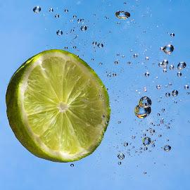 Lime Soda  by Paul Putman - Food & Drink Fruits & Vegetables ( drop shot, speedlight, fruit, bubbles, lime )