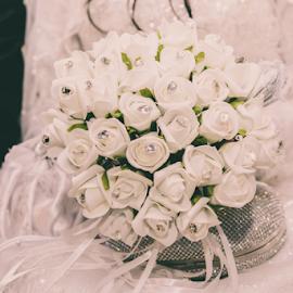 Bride's Bouquet by Irfaan Hussein - Wedding Details ( bouquet, black and white, wedding, beautiful flowers, bride, bride's bouquet, flowers )