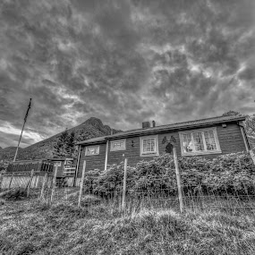 Cottage by Benny Høynes - Buildings & Architecture Homes ( canon, cabin, hdr, cottage, house, norway,  )