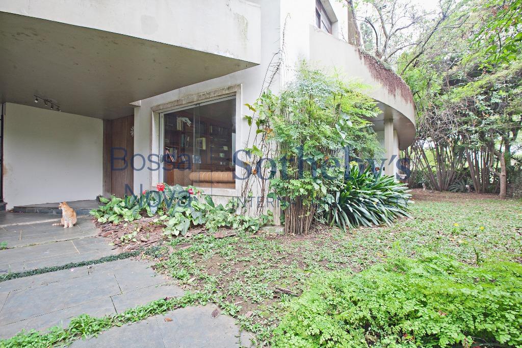 Casa em Cidade Jardim com projeto diferenciado