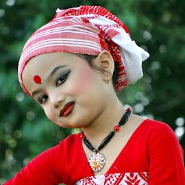 Brishti by Asif Bora - Babies & Children Child Portraits