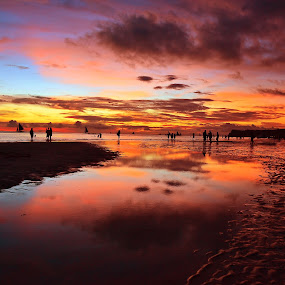 Boracay at dusk by Fresco Jr Linga - Landscapes Beaches