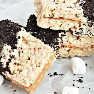 Afternoon Pick-me-up Cookies n' Cream Rice Krispies Treats