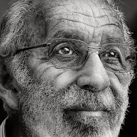 Shimson by PATT LULUQUISIN - People Portraits of Men ( senior citizen )