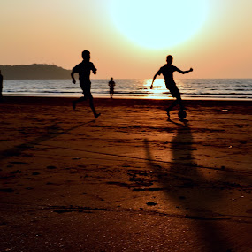 game of life by Siddhartha Chitranshi - People Street & Candids ( football, goa, india )