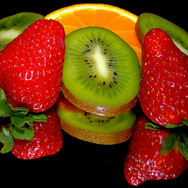 kiwi,orange and strawberry by LADOCKi Elvira - Food & Drink Fruits & Vegetables ( fruits )