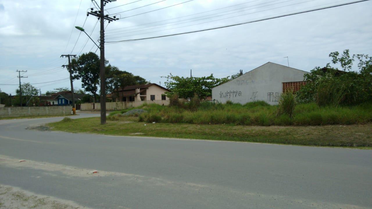 Excelente terreno no centro de Itapoá, esquina. Balneário Jardim Pérola, em Itapema do Norte.