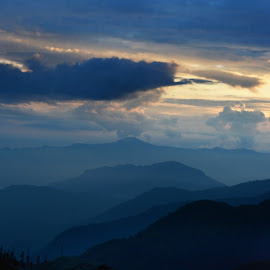 The Evening sets in.. by S Banerjee - Landscapes Cloud Formations