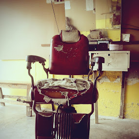 Old Barber Chair by Muhamad Edy Abdul Kasim - Artistic Objects Antiques
