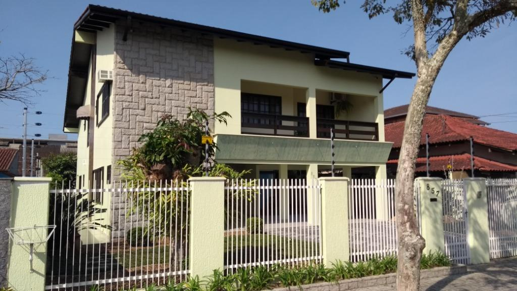 Casa à venda  no Bucarein - Joinville, SC. Imóveis