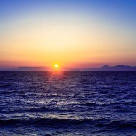 Simplicity Sunset by Ivan Kovaček - Landscapes Sunsets & Sunrises ( minimalism, color, island, simplicity, sea )