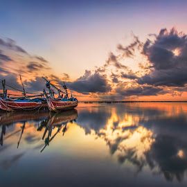 Broken Wings by Bertoni Siswanto - Transportation Boats ( landscapes, indonesian, travel photography, morning glory, sunrise, bali, reflections, canon eos, clouds, transportation )