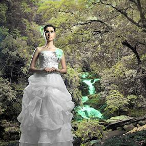 Myra by Bob Shahrul - People Fashion ( nikkor, falsecolor, nikon )