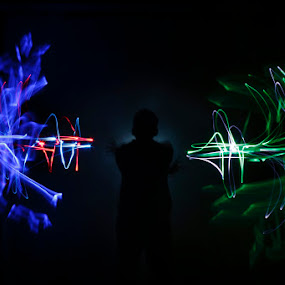 Phto by Shoox De LightPainter - Abstract Light Painting ( light painting, trioexposure, pwchands )