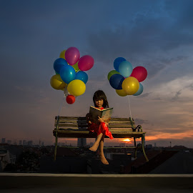 Jacqueline the explorer by Henry Kurniawan - Digital Art People ( child, levitation, sunset, outdoor, floating, balloon, conceptual, portrait, kid )