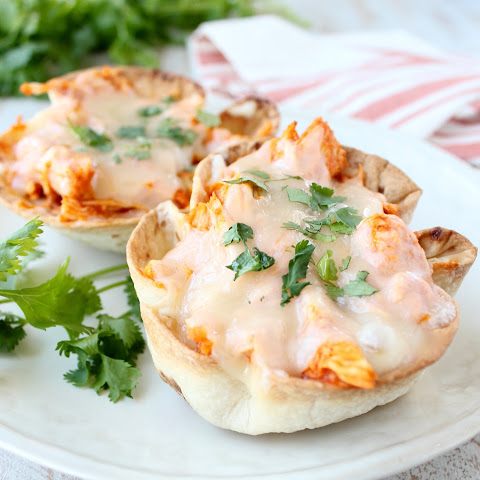 Buffalo Chicken Dip Taco Cups