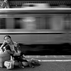 deep sleep... by Baron Danardono Wibowo - People Street & Candids