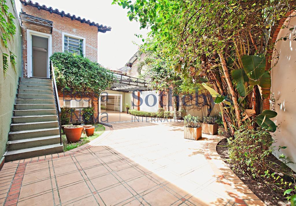 Casa comercial para venda e locação, Jardim Europa, São Paulo.