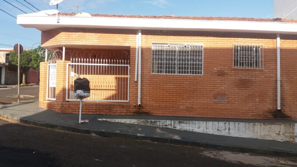 Casa para Aluguel 156 m²  com 3 quartos