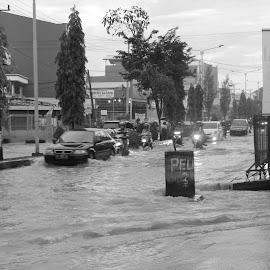 waterflow  by Muhammad Muhtarom - City,  Street & Park  Street Scenes