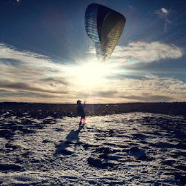 Ttrying his new paraglider wing... Iceland by Telma Eldrún Dögg Long - Instagram & Mobile Android