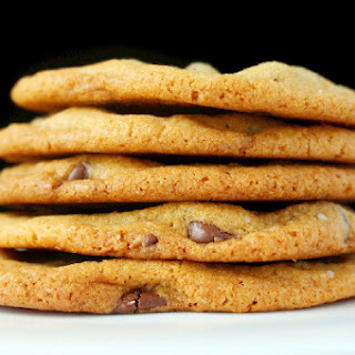 The Best Chewy and Crispy Chocolate Chip Cookies