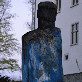 Still Man standing by Wechtitsch Bernhard - Buildings & Architecture Statues & Monuments