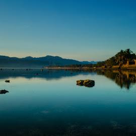 Horison Biru by D'grit BabeSuban Lamatokan - Landscapes Beaches ( ayokeflorestimur, indonesia, larantuka, landscape photography, pantaiindonesia )