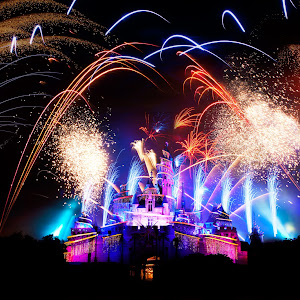 Disneyland Fireworks @ Hong Kong.jpg