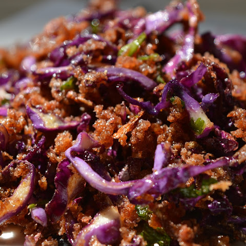 Red Cabbage pakoda ( with Amaranth flour )